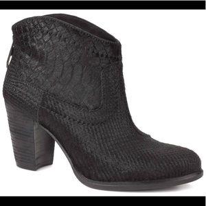 women s ugg snake boot on poshmark rh poshmark com